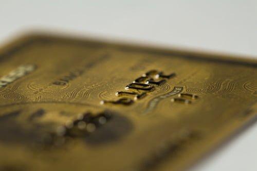 ステータスの高いクレジットカードのメリットとは?どうすれば持てるの?