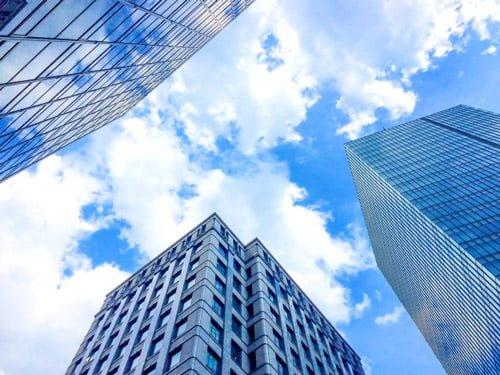 審査や取り立てを行う会社、保証会社とカードローンの関係性